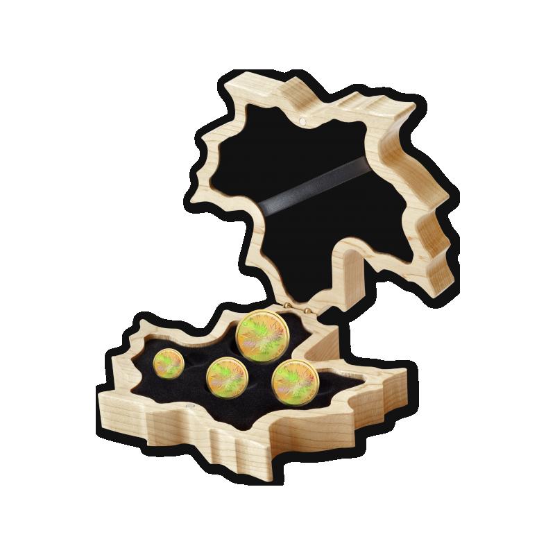 """""""Золотой кленовый лист"""". Монета из серии """"Набор золотых монет с голограммой"""" 99,999% - Канада 2020"""