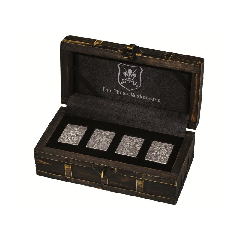 """""""Три мушкетера"""" - Набор из четырех 99,9% серебряных монет антик обработкой, Джибу́ти 250 франк  2018 года."""